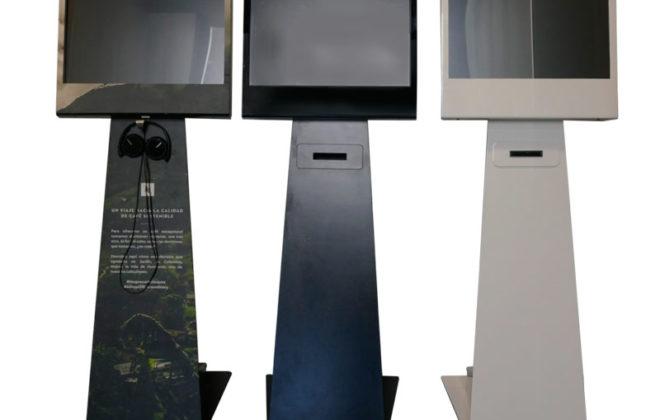 IK22 x3 660x420 - Kiosko vertical táctil Ik22